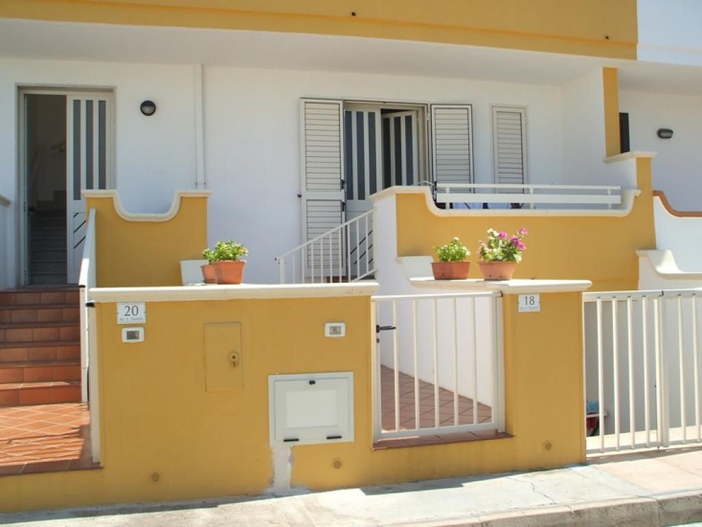 C0042 – Casa vacanza in centro a Torre San Giovanni