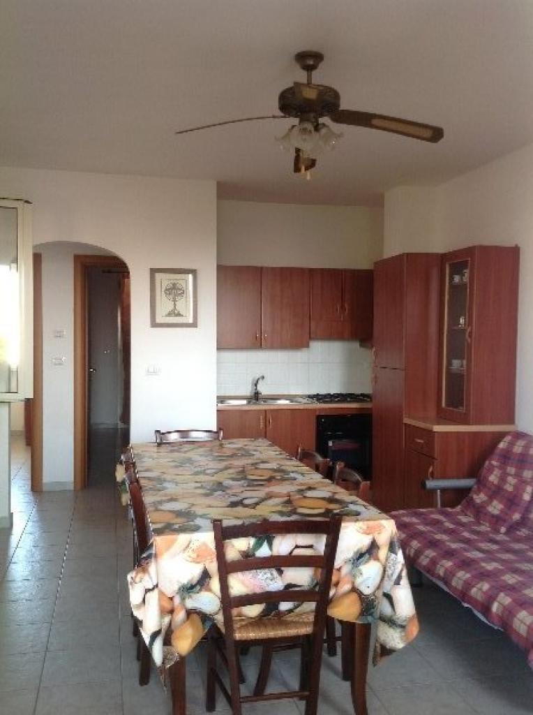 C004G – Appartamento al primo piano zona centrale a Torre San Giovanni